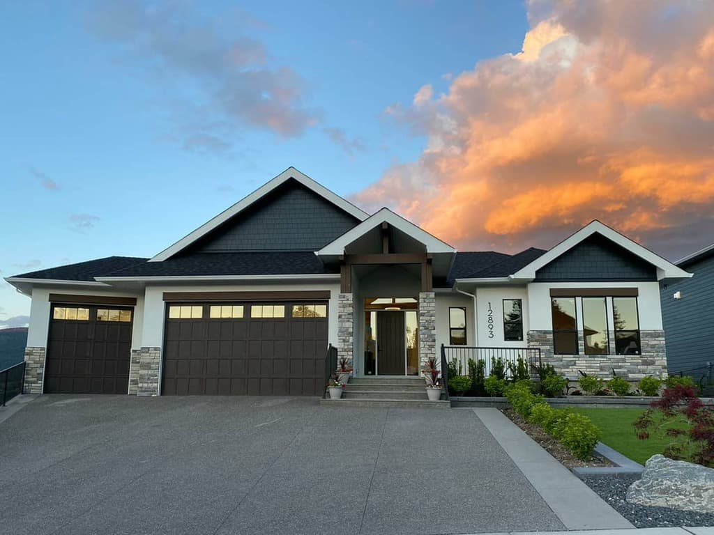 Modern Curb Appeal Ideas -gibsoncontracting