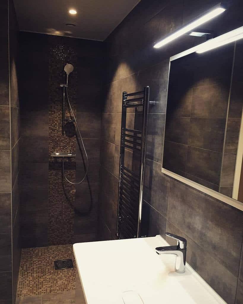 Modern Doorless Walk In Shower Ideas -capturedbysherene