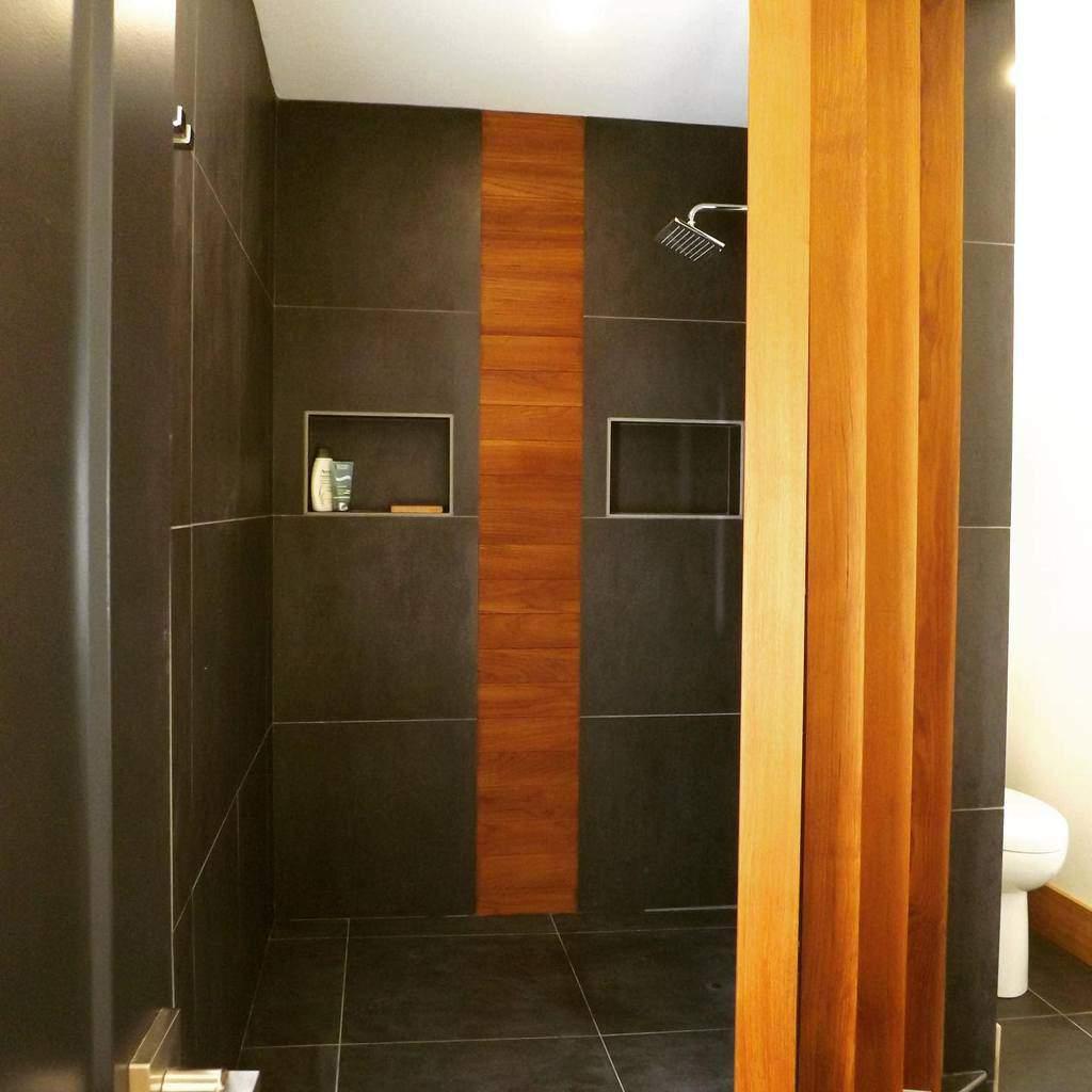 Modern Doorless Walk In Shower Ideas -heatherjaneinteriors