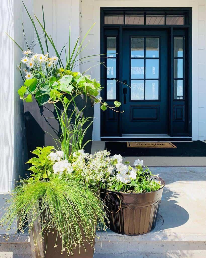 Modern Front Door Ideas -manitobafarmhouse
