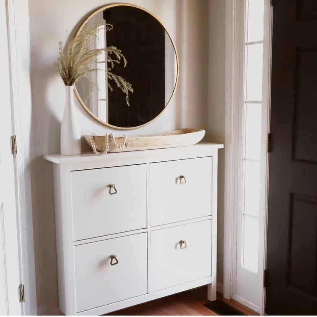 Modern Small Entryway Ideas -boxwoodbirch