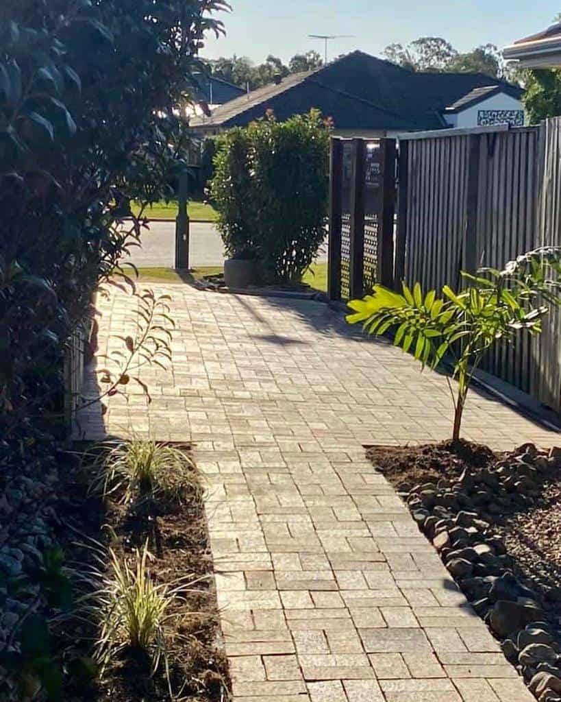 Paver Side Yard Ideas -frangipani_house_