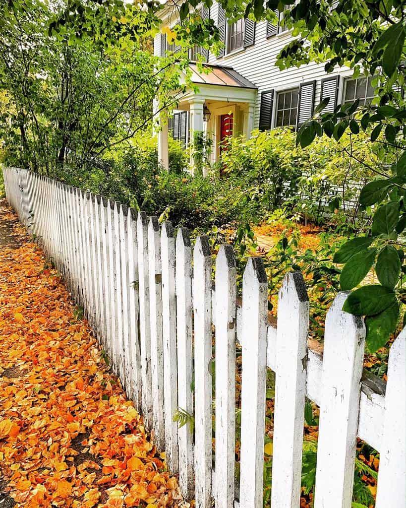 Picket Pallet Fence Ideas -heyjude4040
