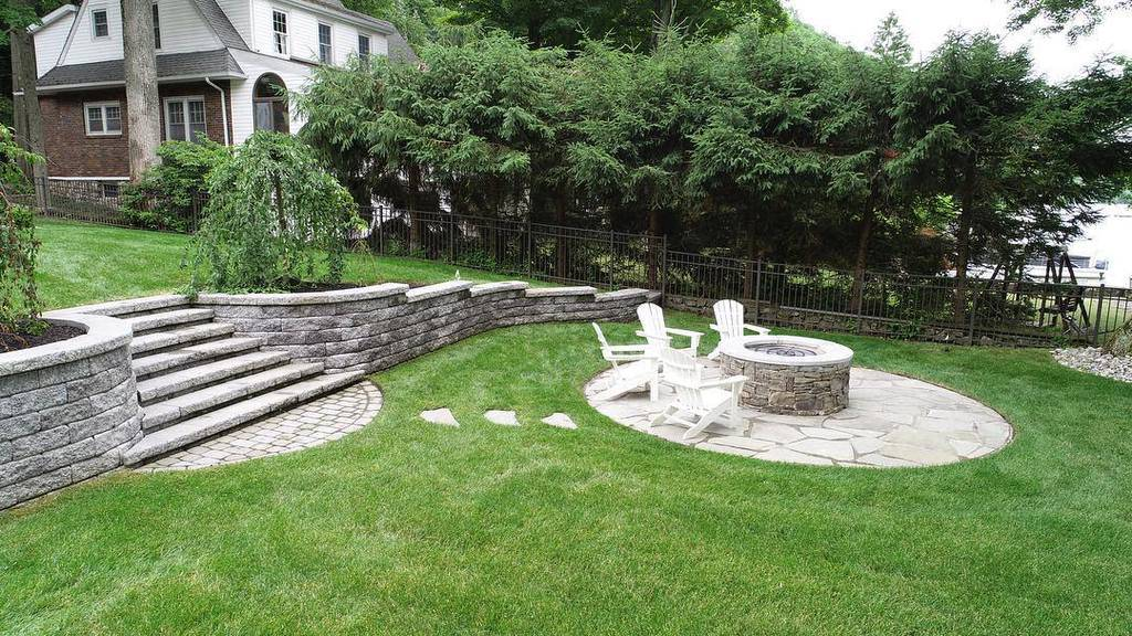 Retaining Wall and Garden Wall Hardscaping Ideas -crevinalandscaping