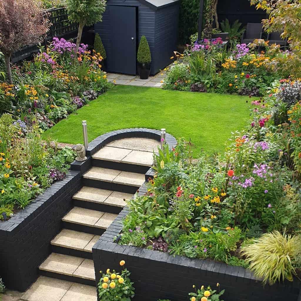 Retaining Wall and Garden Wall Hardscaping Ideas -davidlovestogarden