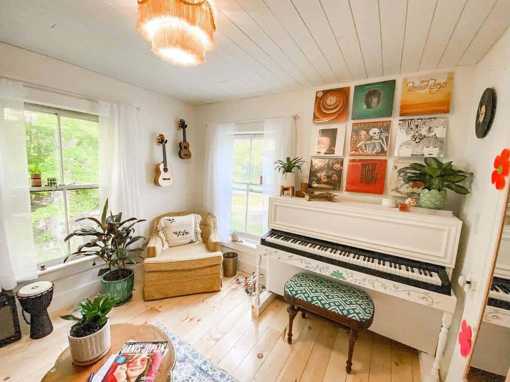 Retro Music Room Ideas -moonlightmeadowfarmhouse