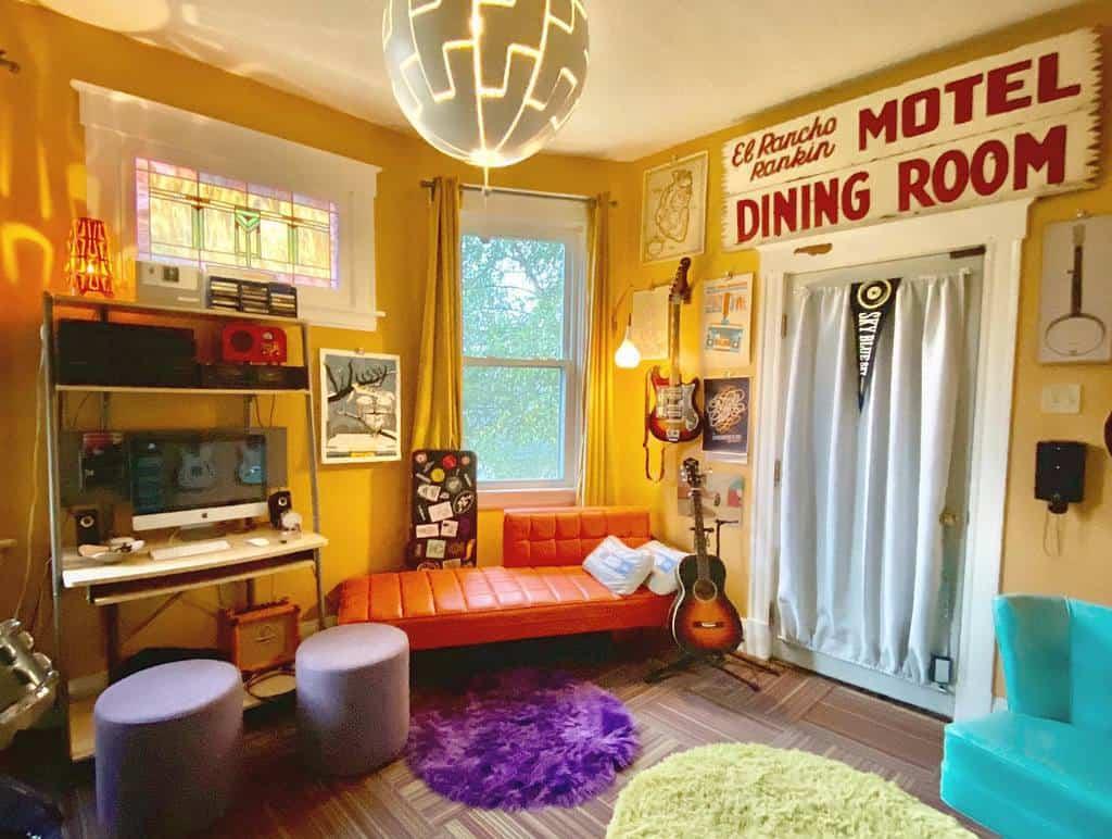 Retro Music Room Ideas -wtvz
