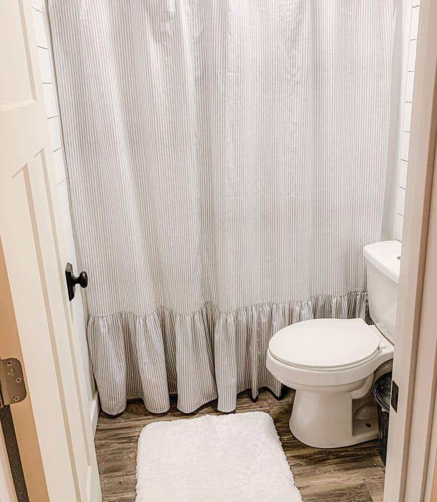Ruffled Shower Curtain Ideas -stateroutesalvaged