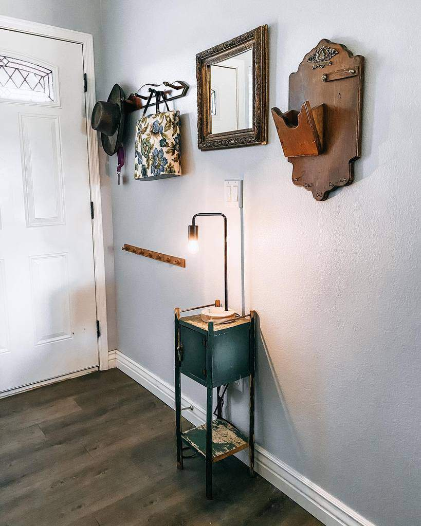 Rustic Small Entryway Ideas -_stacey.jean