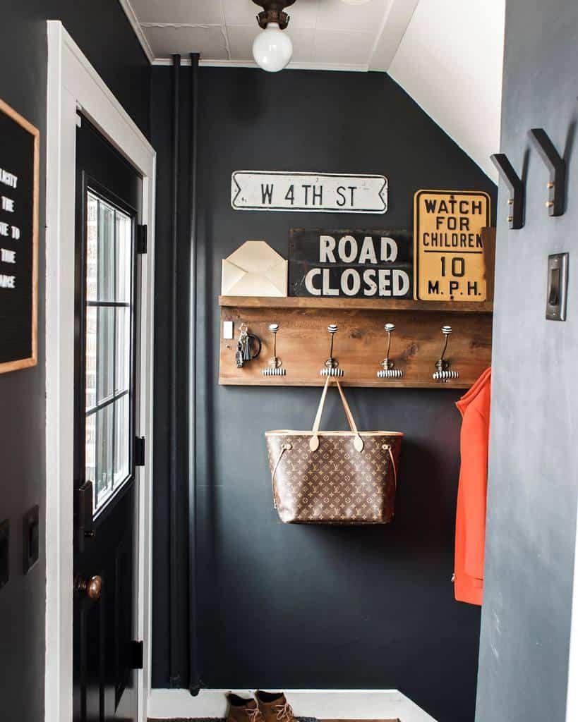 Rustic Small Entryway Ideas -angela.fahl