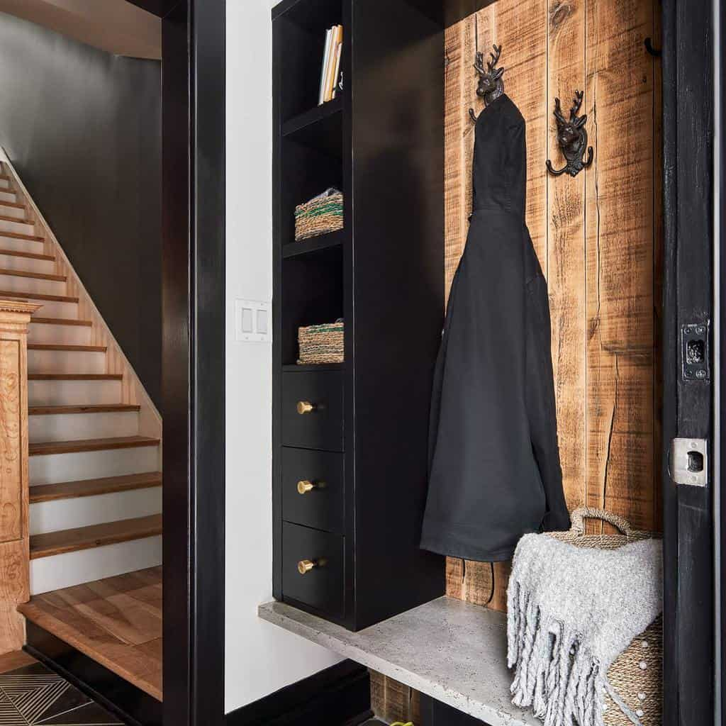 Rustic Small Entryway Ideas -grassrootsdesign
