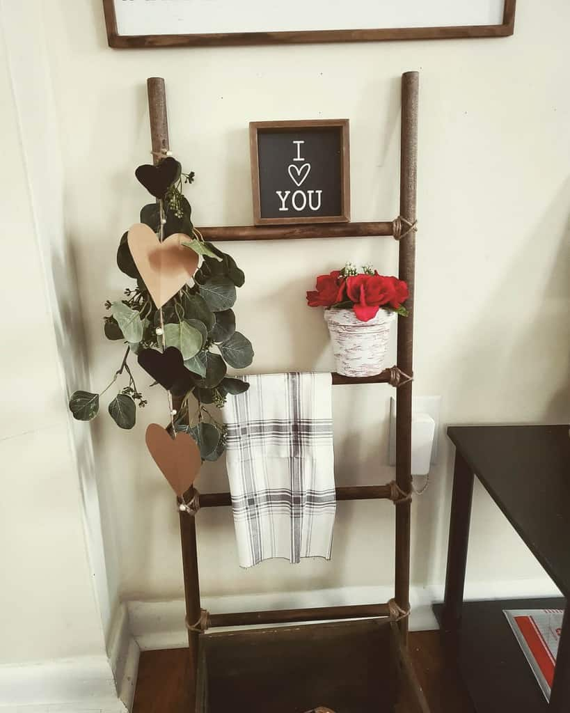 Rustic Small Entryway Ideas -themommyaesthetic