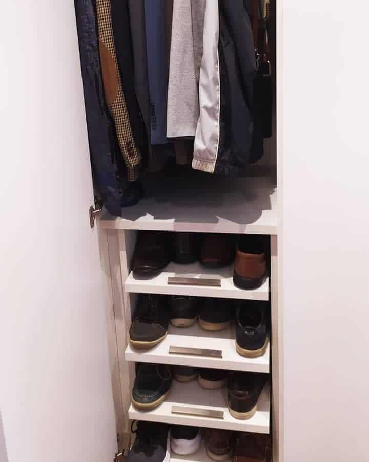 Shelf Clothes Storage Ideas -cris_harmonicasa