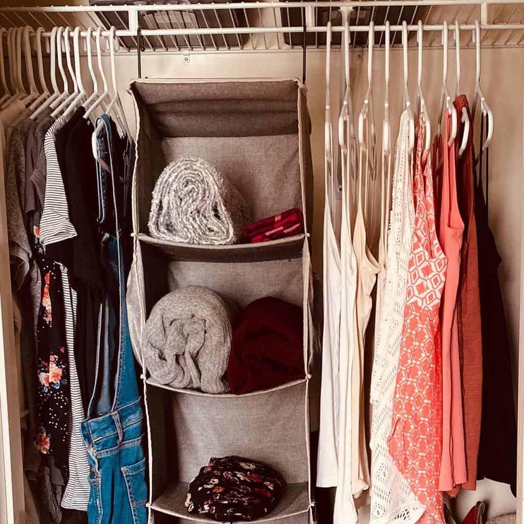 Shelf Clothes Storage Ideas -simplicite.by.bre