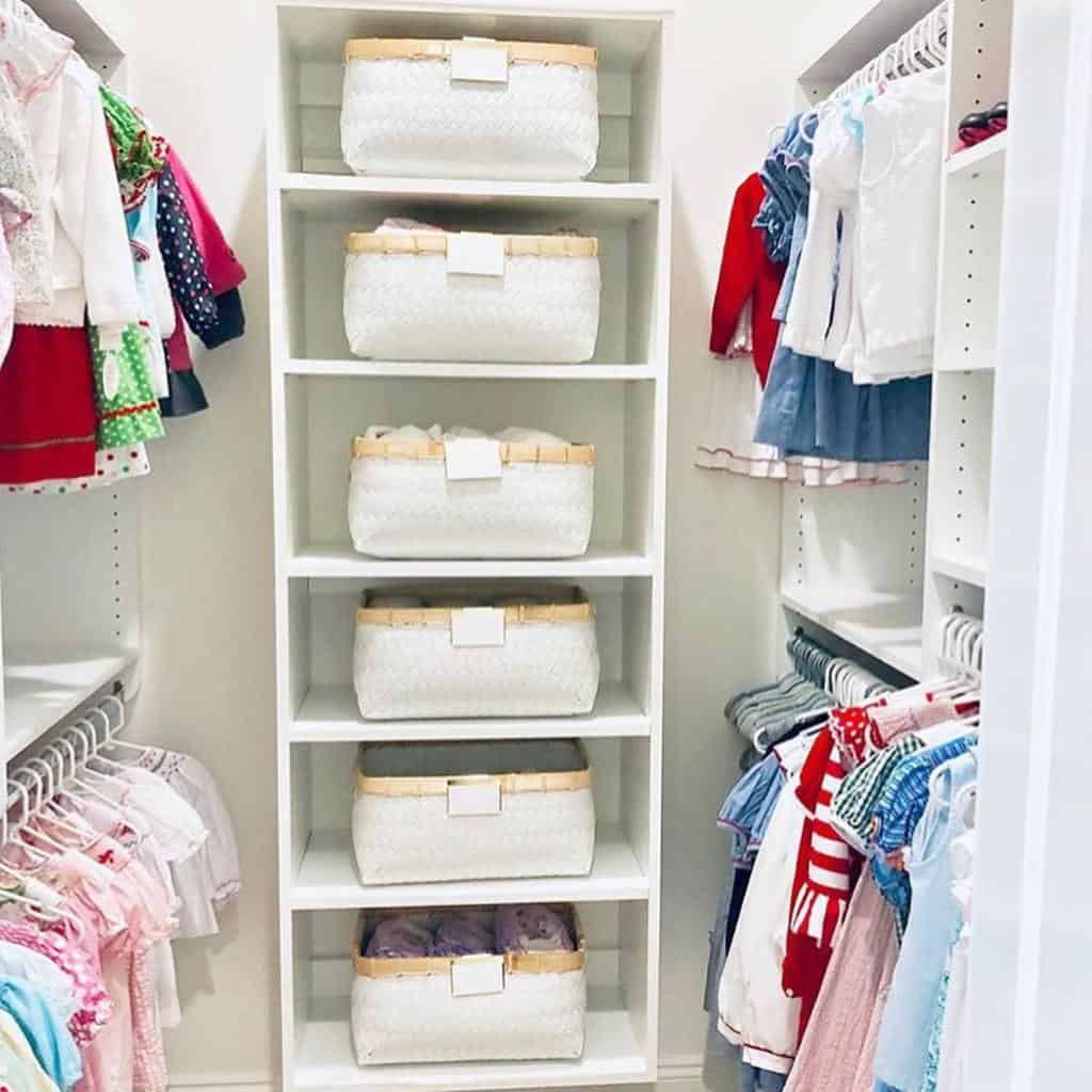 Shelf Clothes Storage Ideas -thehomeorganized_