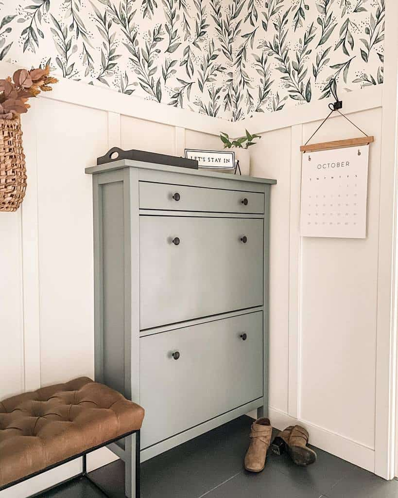Shoe Storage Small Entryway Ideas -everydaygracedesigns