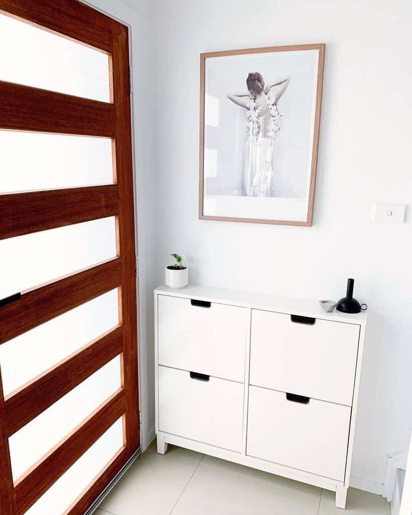 Shoe Storage Small Entryway Ideas -the_minimal_stylist