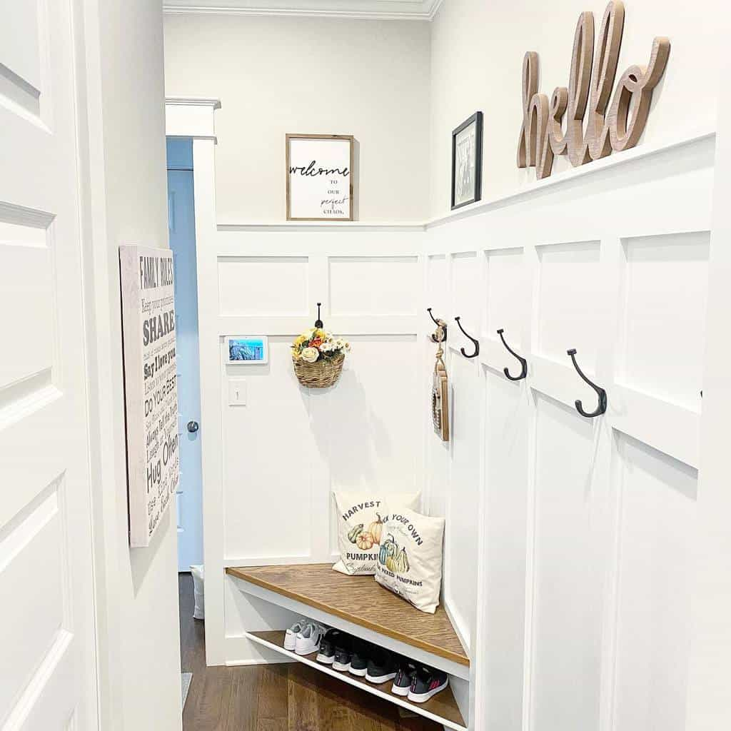 Shoe Storage Small Entryway Ideas -the_sweet_chick
