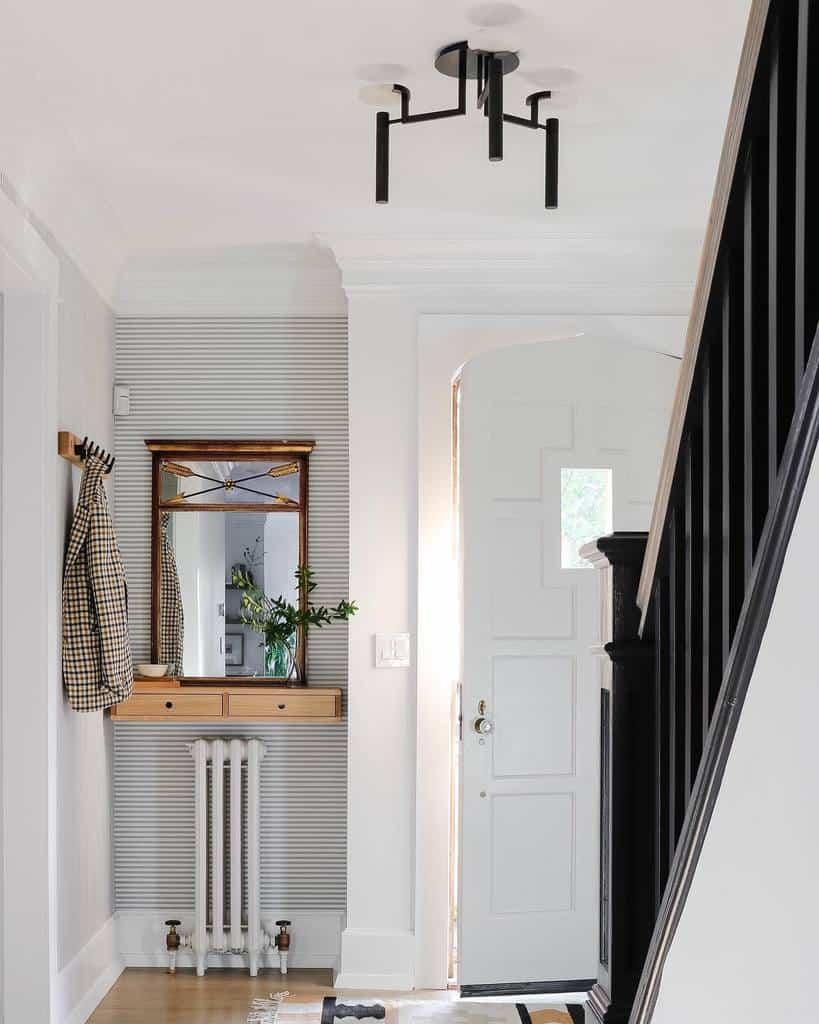Simple Small Entryway Ideas -designbydama