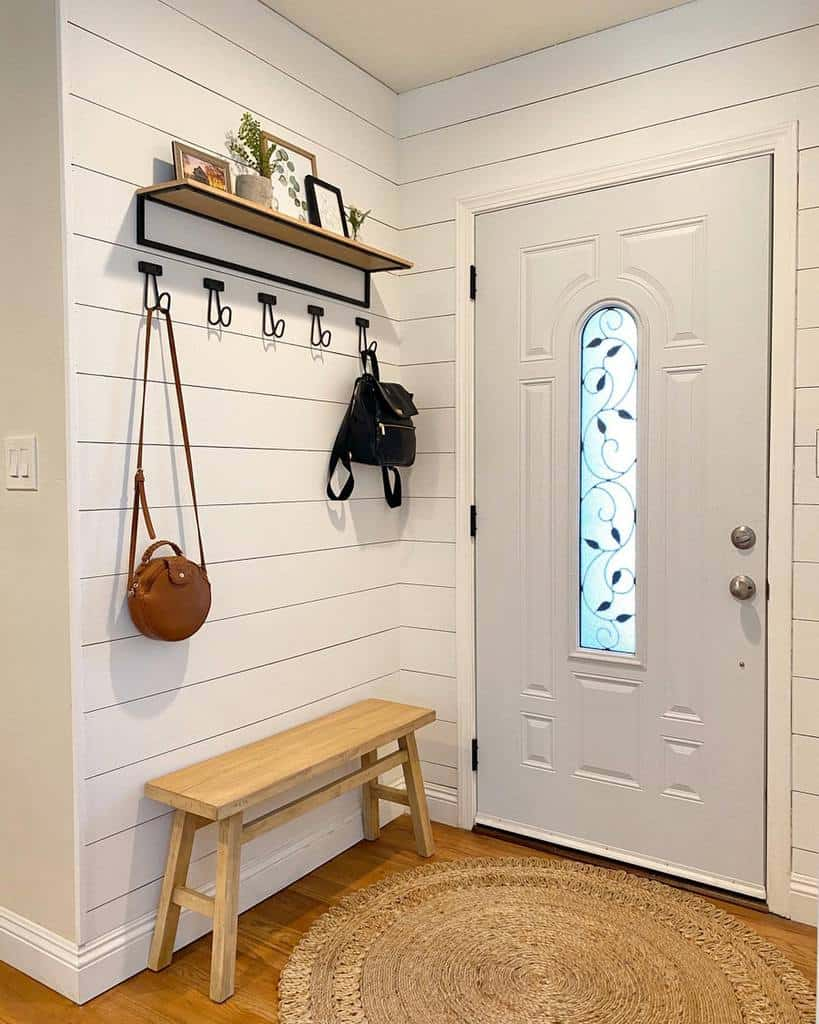 Simple Small Entryway Ideas -katie_elaine
