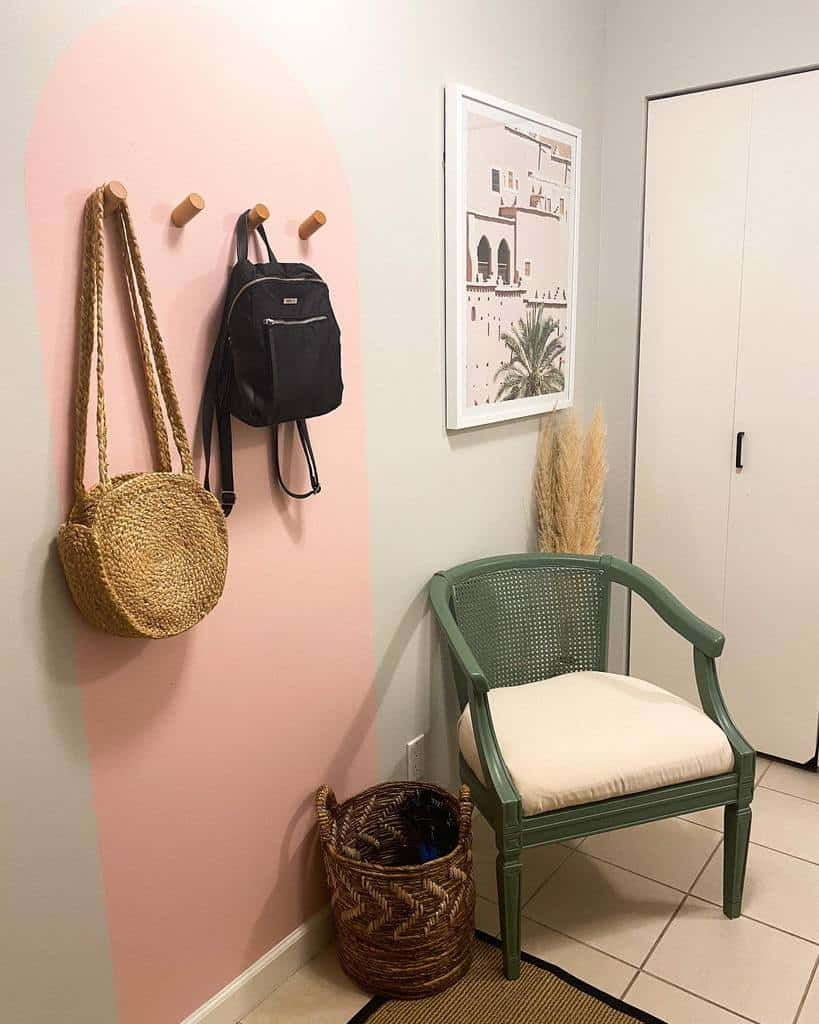 Simple Small Entryway Ideas -thevicchicks
