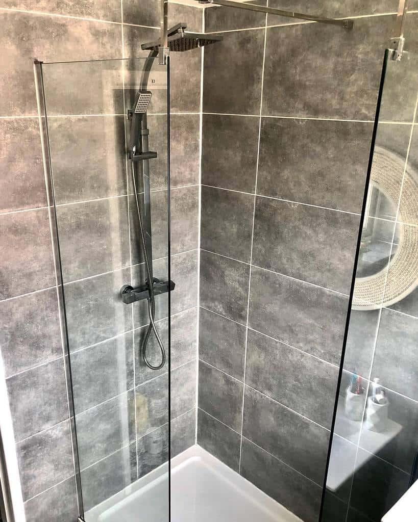 Small Doorless Walk In Shower Ideas -thehighamhome