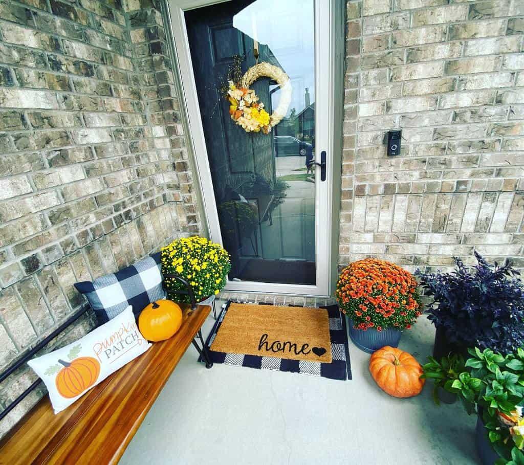 Small Front Porch Decorating Ideas -delle_aquino