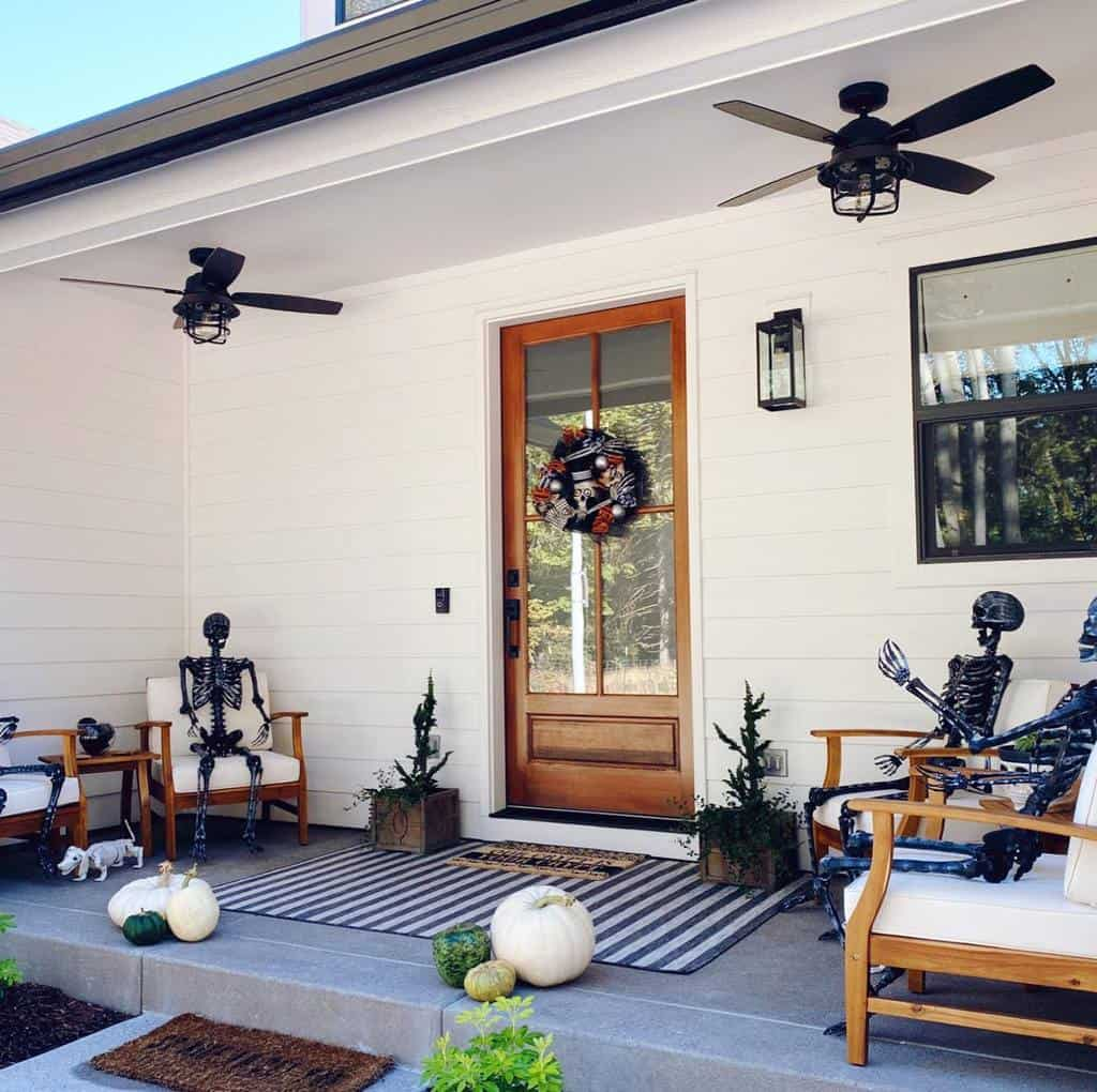 Small Front Porch Decorating Ideas -shelvesonshiplap