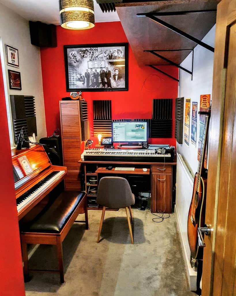 Small Music Room Ideas -martinkayepiano