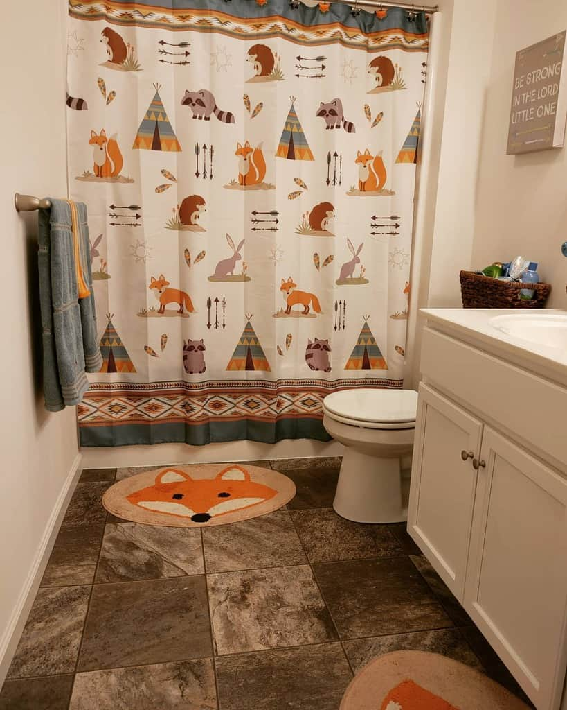 Small Shower Curtain Ideas -easywindlifestyle
