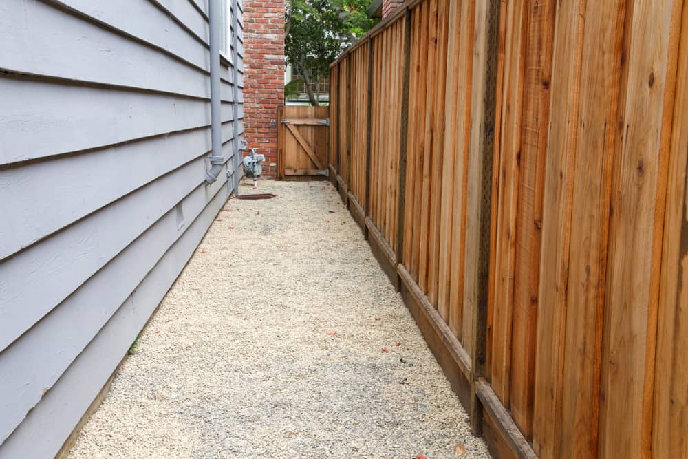 Long,Narrow,Side,Yard,,New,Wood,Fence,On,The,Right