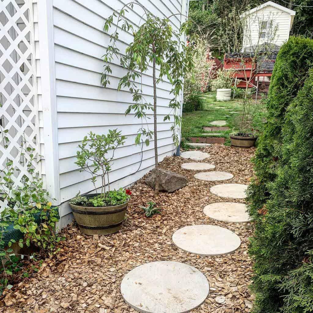 Small Side Yard Ideas -pixiesplantation