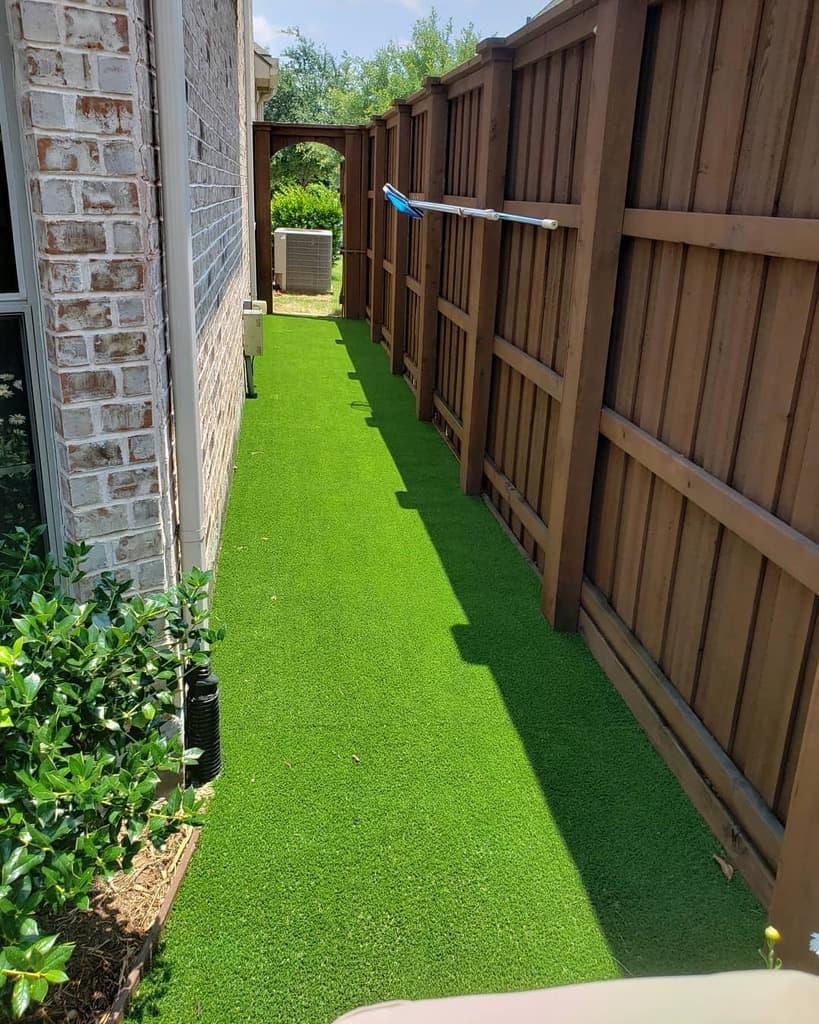 Small Side Yard Ideas -turfrocks