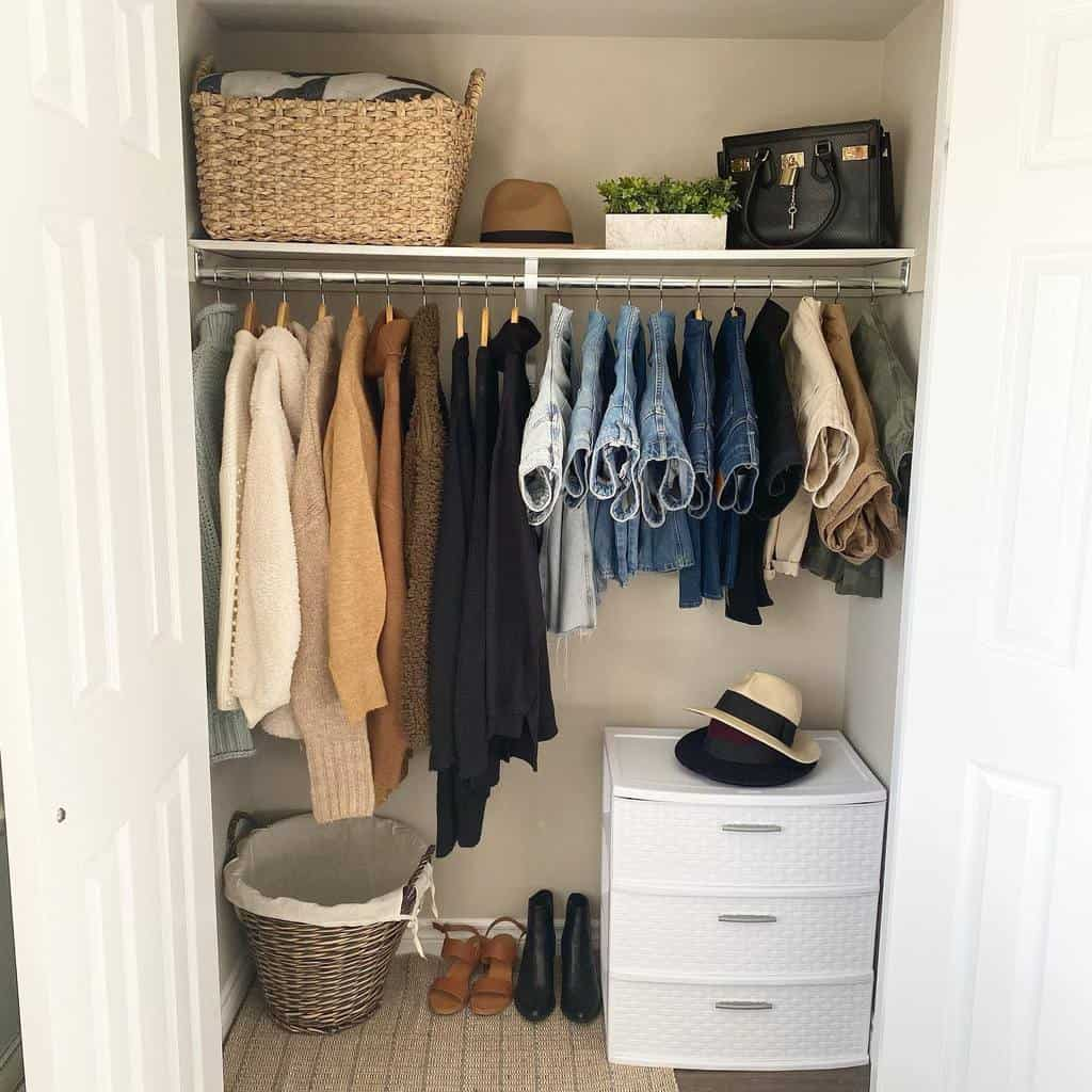 Small Space Clothes Storage Ideas -home_planted