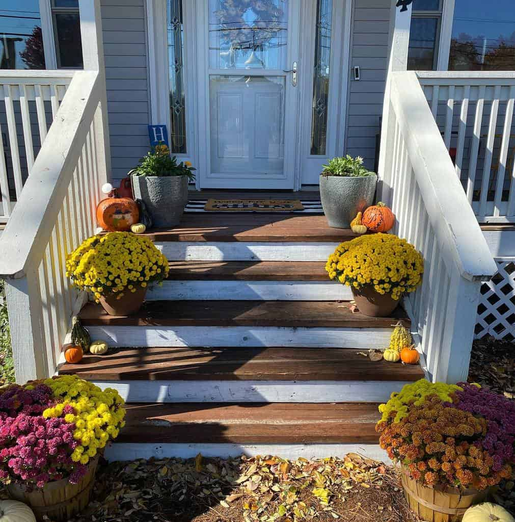 Step Front Porch Decorating Ideas -viwaltmommy