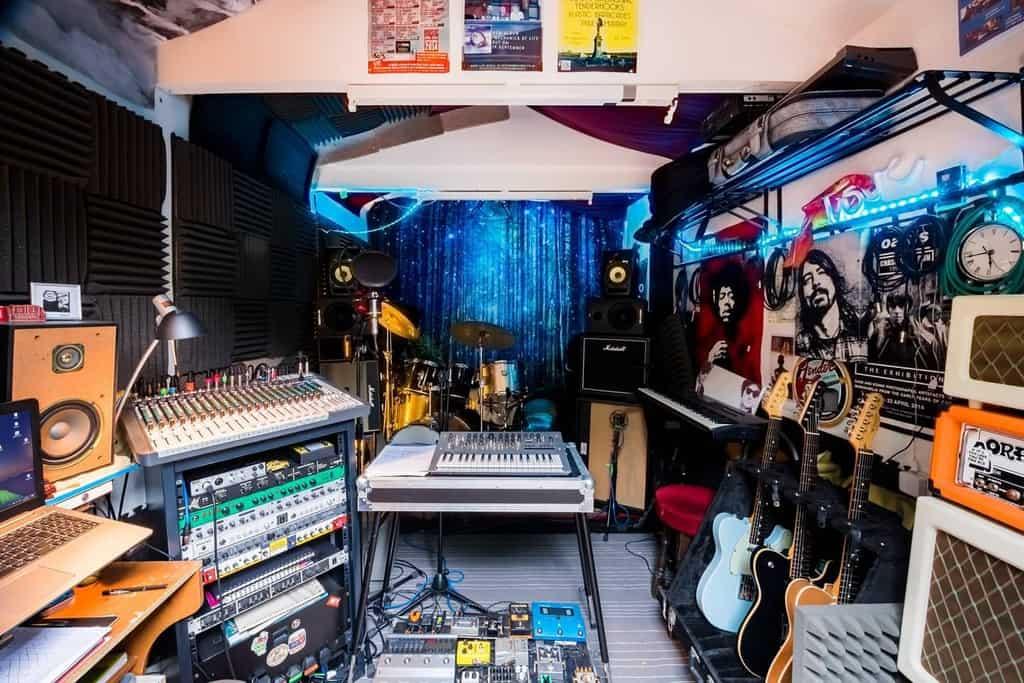 Studio Music Room Ideas -plasticbarricades