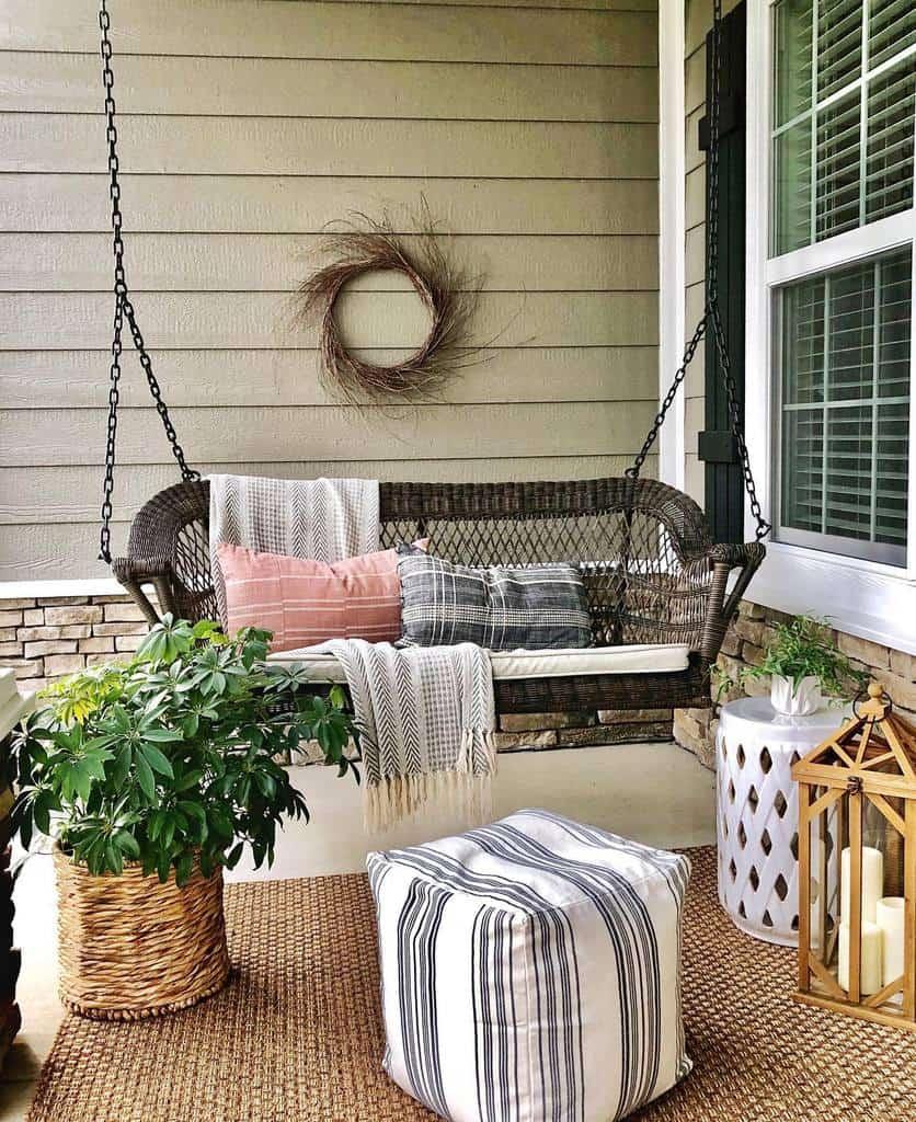 Swing Front Porch Decorating Ideas -homeonnativetrail