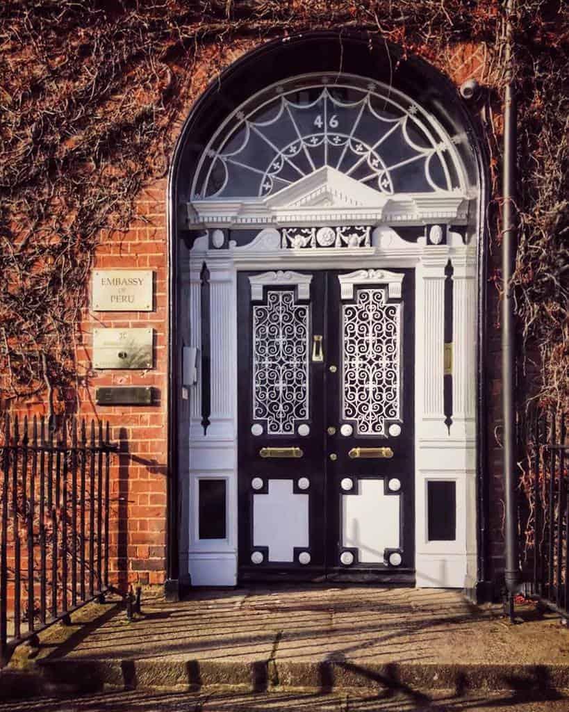 Traditional Front Door Ideas -antoinetteereilly