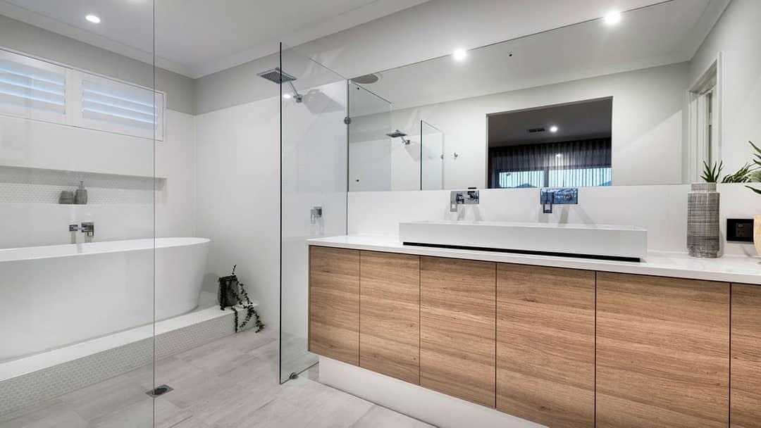 White Doorless Walk In Shower Ideas -plunketthomes