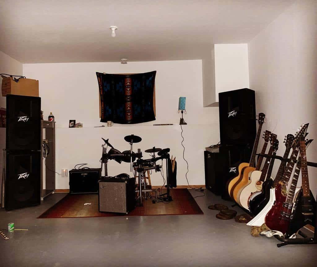 White Music Room Ideas -the_shogun1995