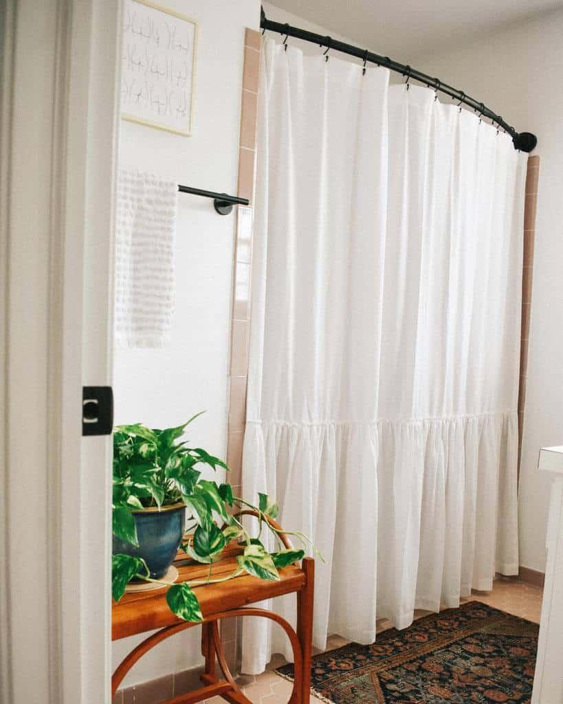 White Shower Curtain Ideas -itsmeekenzie