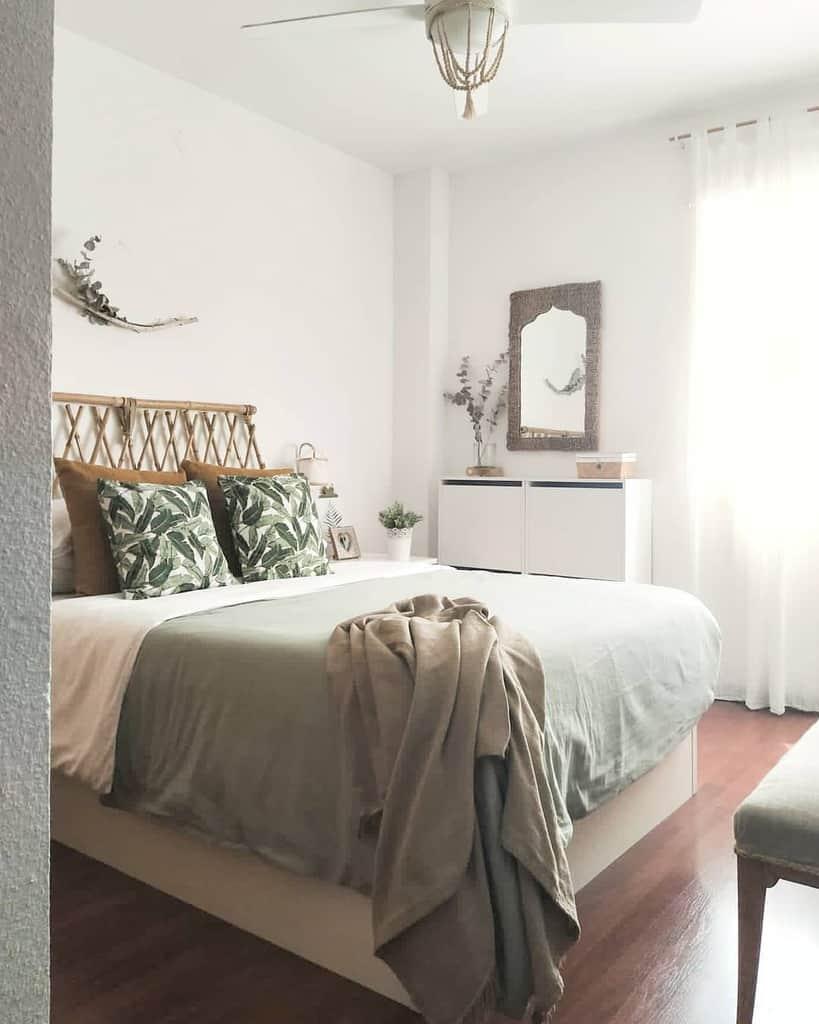 Bohemian Coastal Bedroom Ideas -ive.athome
