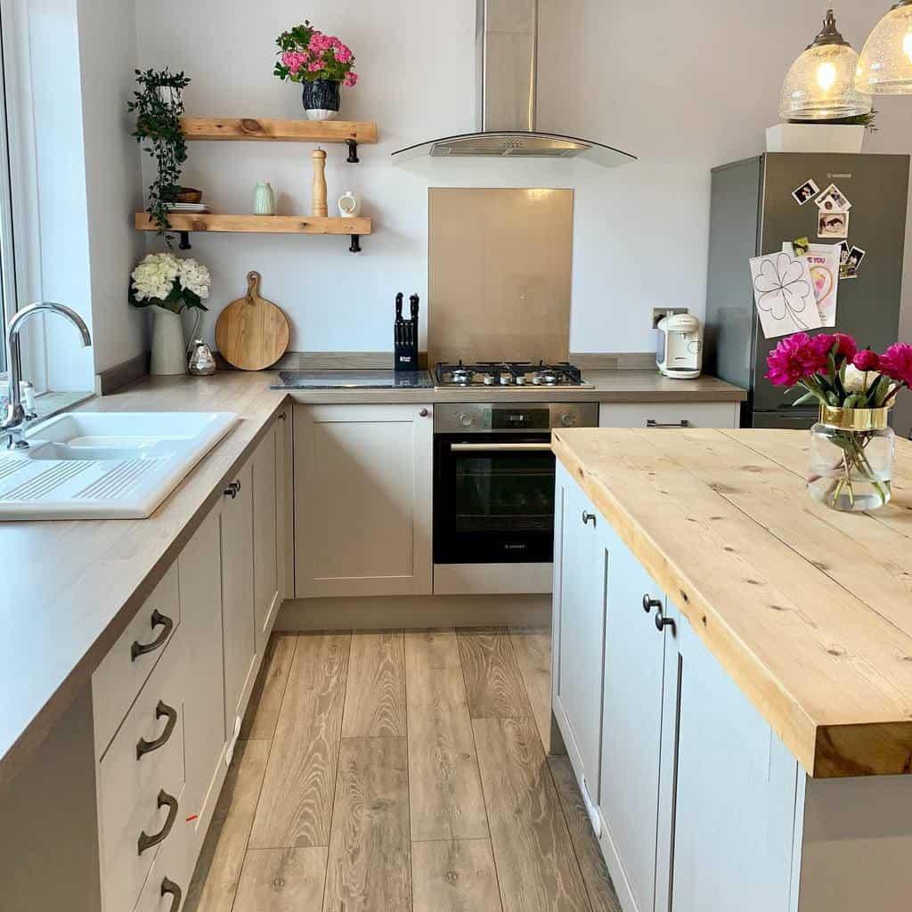 DIY Kitchen Shelf Ideas -dakotacottage