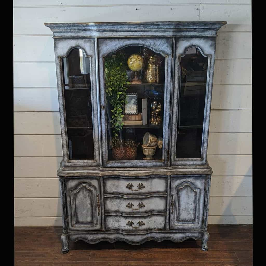 Dark Shadow Chalk Paint Furniture Ideas -the_upcycled_home