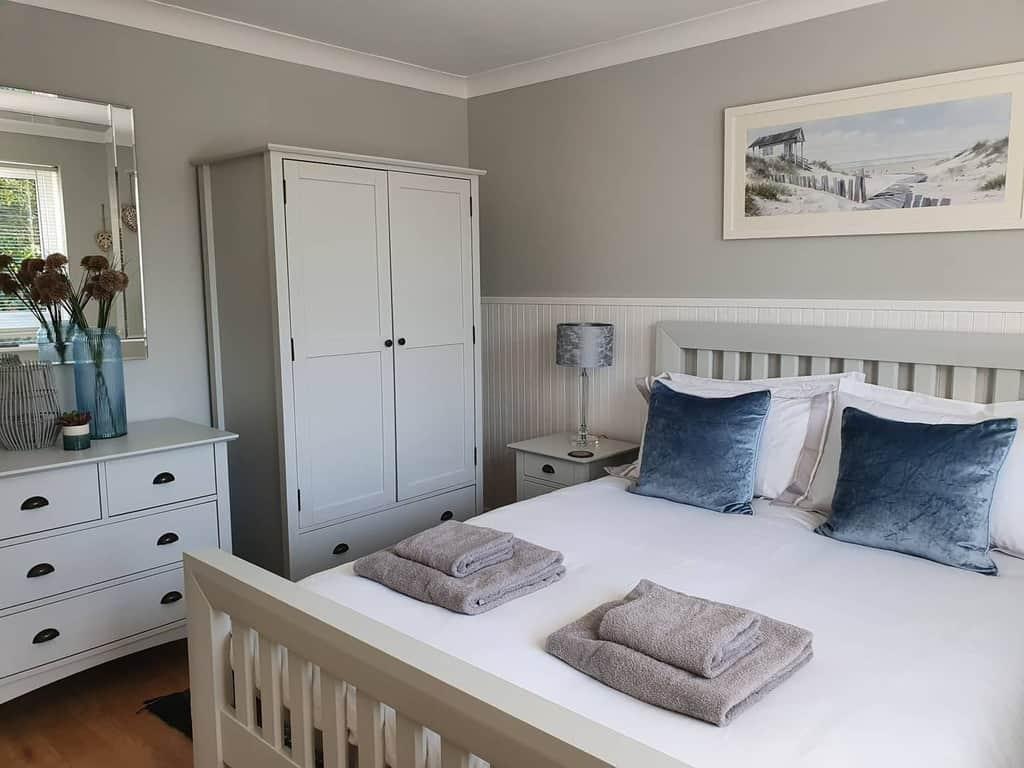 Decor Coastal Bedroom Ideas -fiddle_faff_furniture