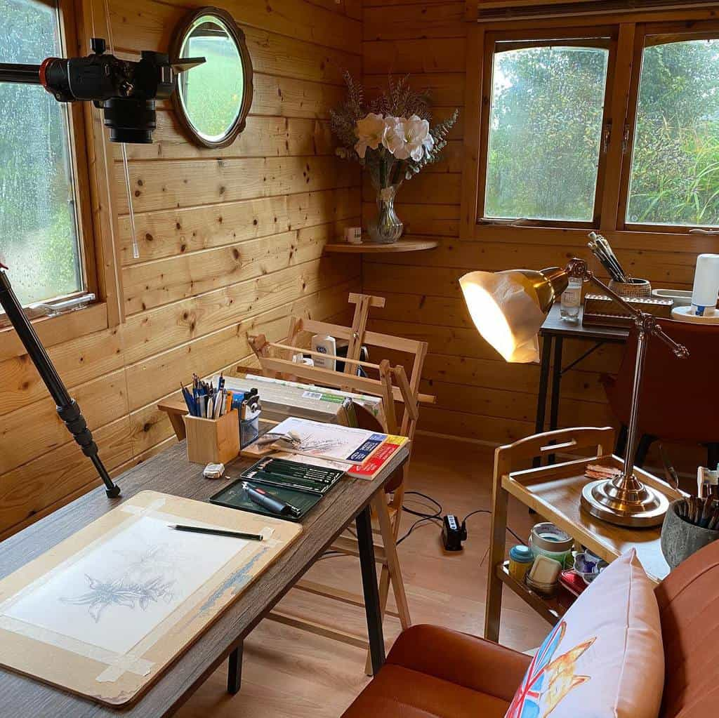 Desk Art Studio Ideas -hakanhingisartchannel
