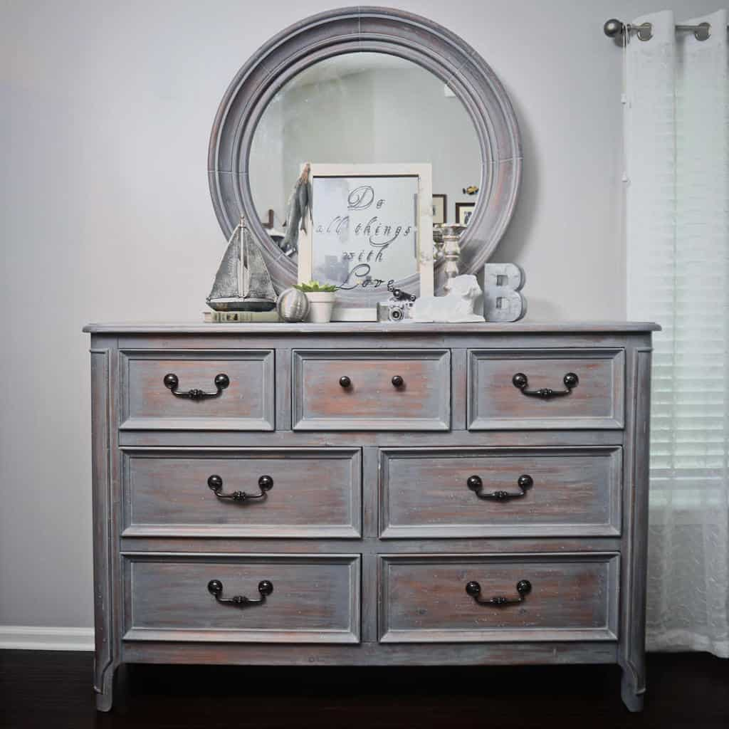 Distressed Chalk Paint Furniture Ideas -bellavintagedecor