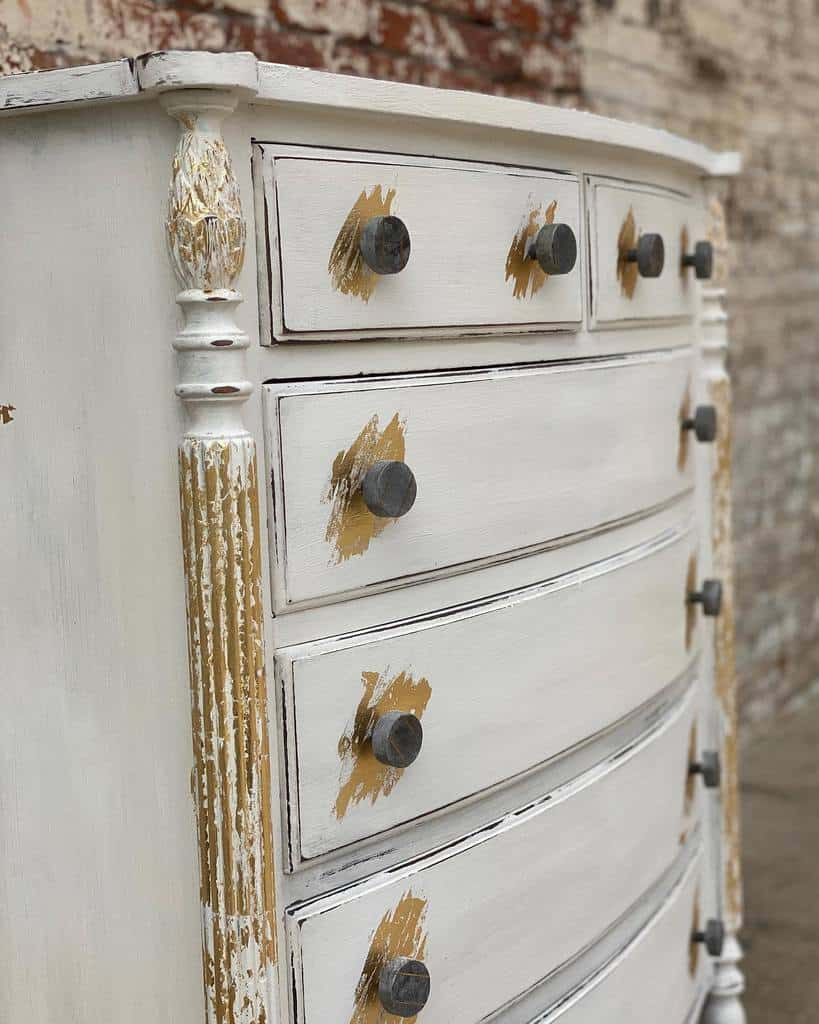 Distressed Chalk Paint Furniture Ideas -theredroostervintage