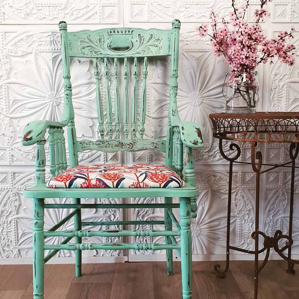 Distressed Chalk Paint Furniture Ideas -vintagebirde