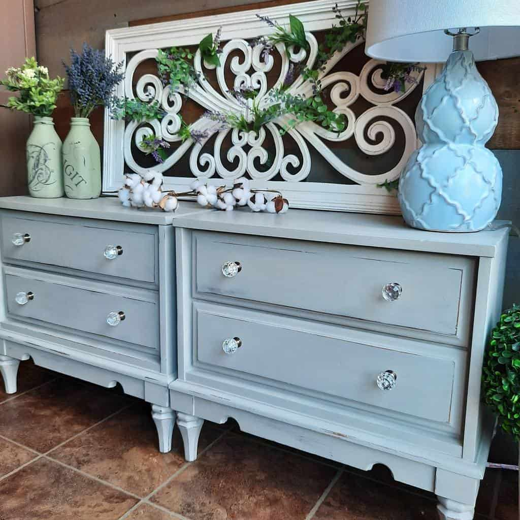 Farmhouse Chalk Paint Furniture Ideas -raynorshinevintage
